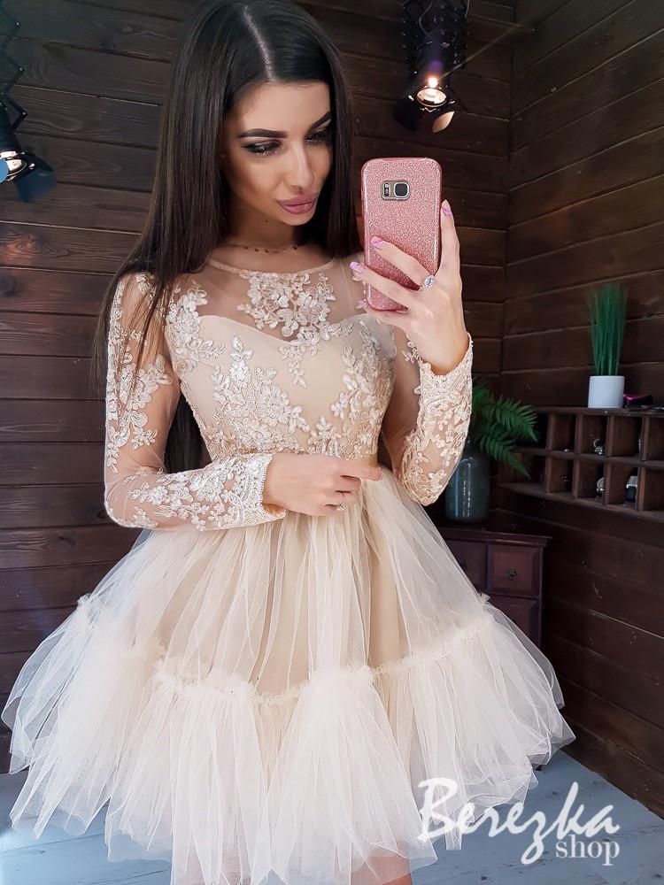 Платье с фатиновой пышной юбкой и кружевным верхом с длинным рукавом 66py361Е