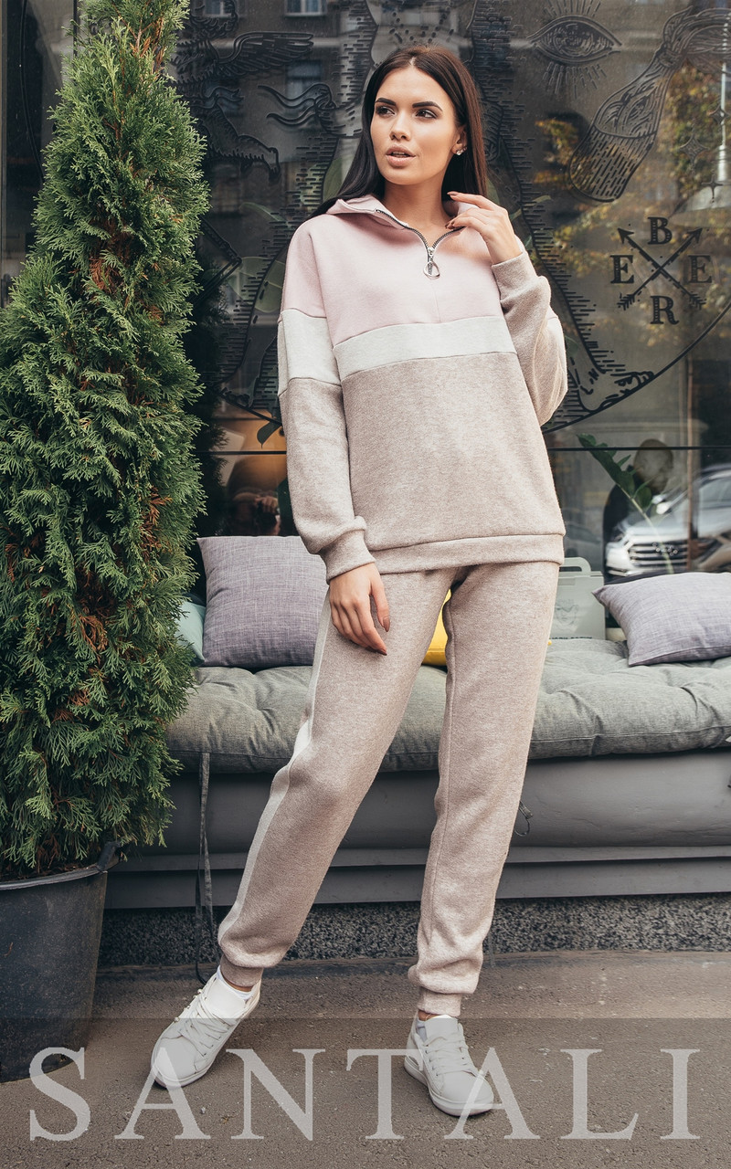 Ангоровый женский спортивный костюм с люрексом и худи 45so810