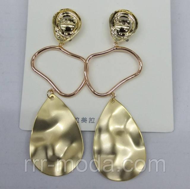 Массивные блестящие серьги под золото оптом. Серьги под серебро оптом. Купить. Заказать. Цена. Фото.