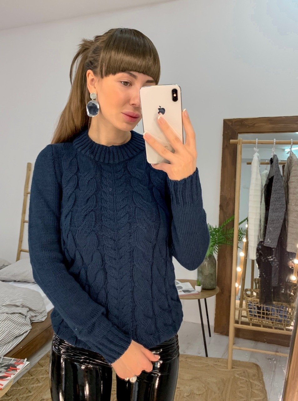 Женский теплый свитер с узорной вязкой и вырезом под горло 33dm703