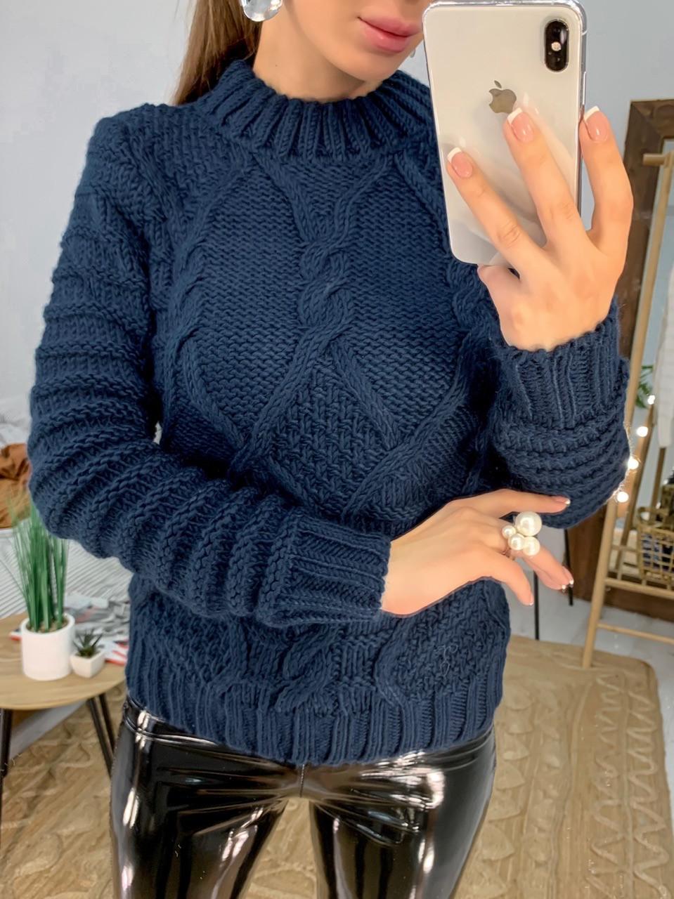 Женский теплый свитер под горло с узорами 33dm704