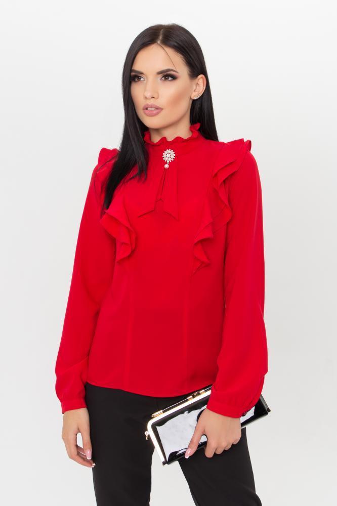 Однотонная классическая красная женская блузка с рюшами и воротником стойкой