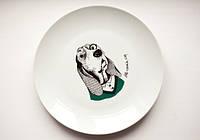 Тарелка Собака дворецкий 25 см стеклокерамика в подарочной упаковке