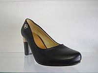 Туфли женские на каблуке.