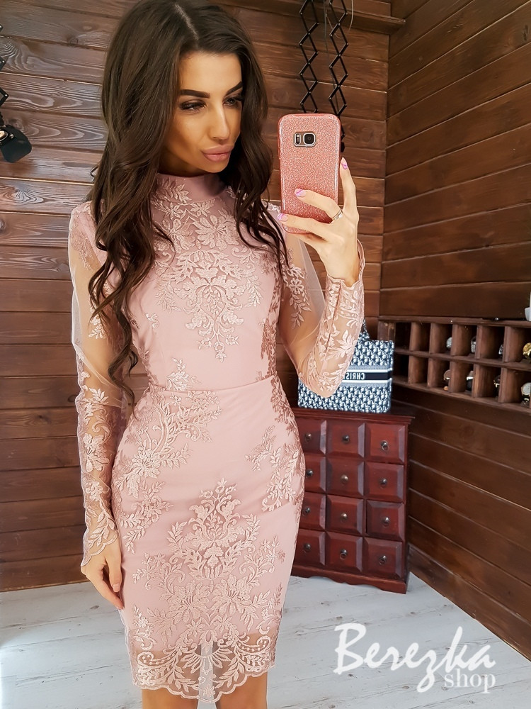 Кружевное платье - футляр с длинным рукавом и сеткой 66plt349Q