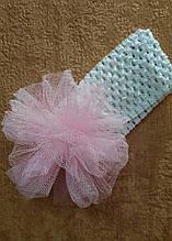 Детская повязка на голову с помпоном из фатина белая с розовым