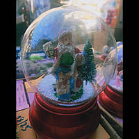 Снежный шар  Дед мороз крутится