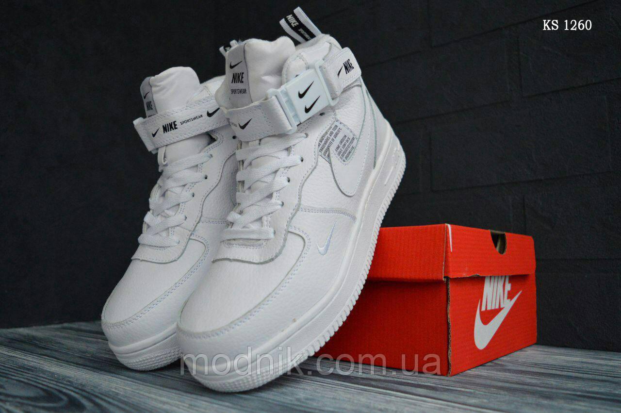 Мужские зимние кроссовки Nike Air Force 1 LV8 High (белые)