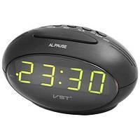 Часы  настольные сетевые 220в будильник светло зеленые цифры