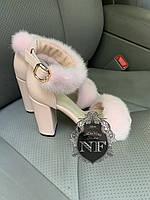 Туфли на каблуке с норкой