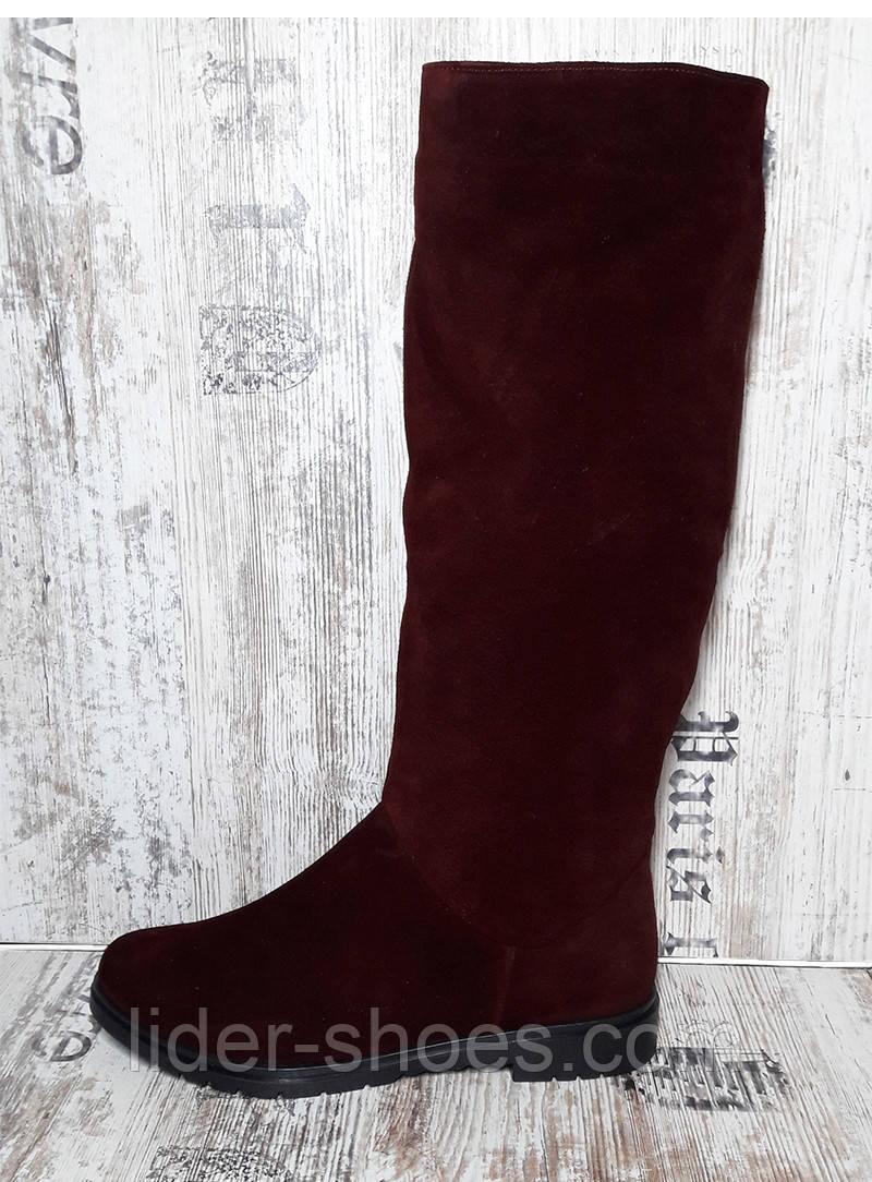 Женские замшевые сапоги бордового цвета