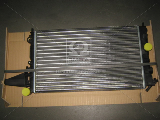 Сделано в Чехии Радиатор охлаждения OPEL VECTRA A 88-95 (МКПП) (-A/C)