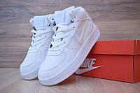 Женские зимние кроссовки в стиле Nike Air Force 1 Mid LV8, кожа, цигейка, белые 36 (23 см)