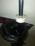 Амортизатор передний Fiat Doblo Фиат Добло (2000-2010) Б.У KYB 334631, фото 2
