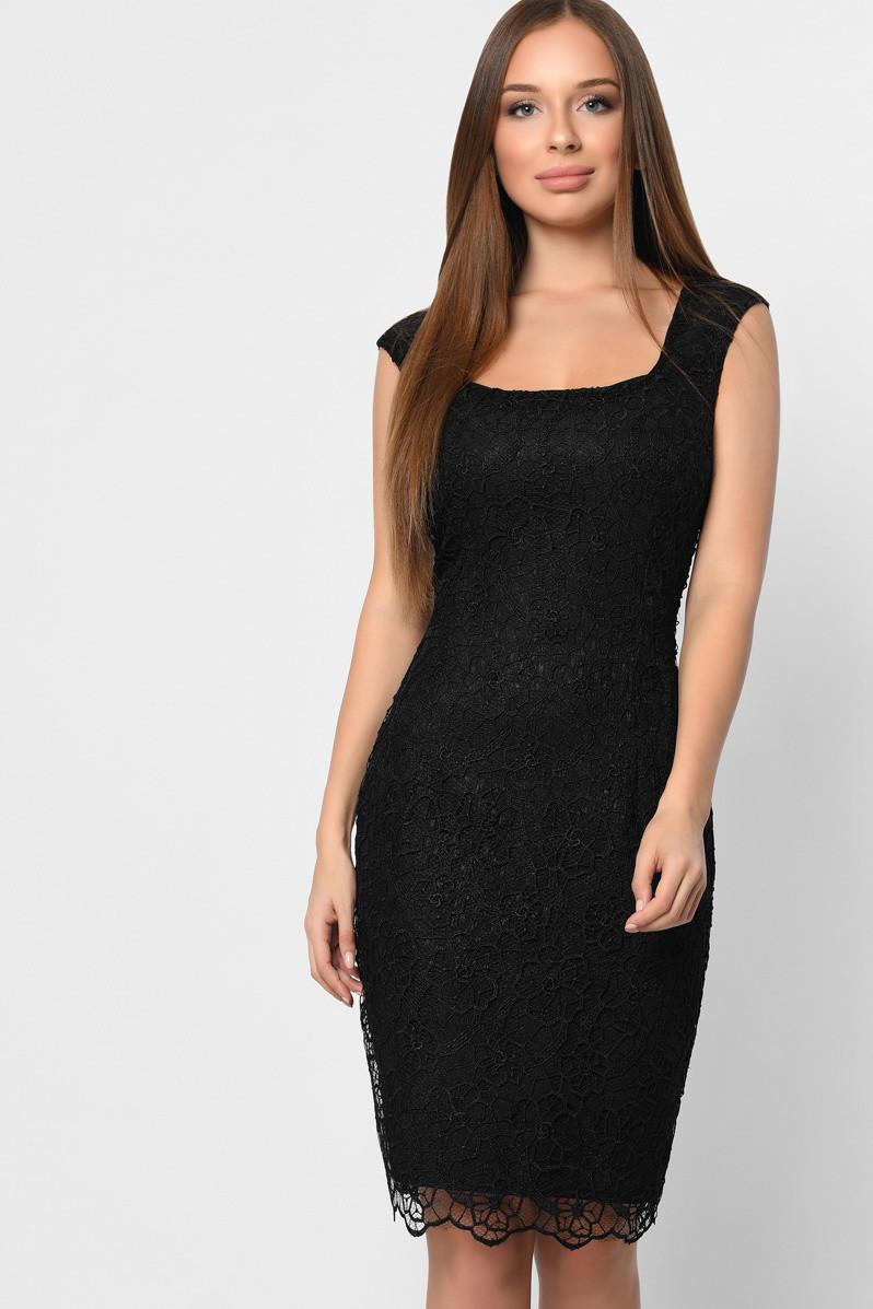 Коктейльное кружевное платье черного цвета