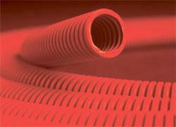 Гофрована труба ПНД з протяжкою (червона) ДКС