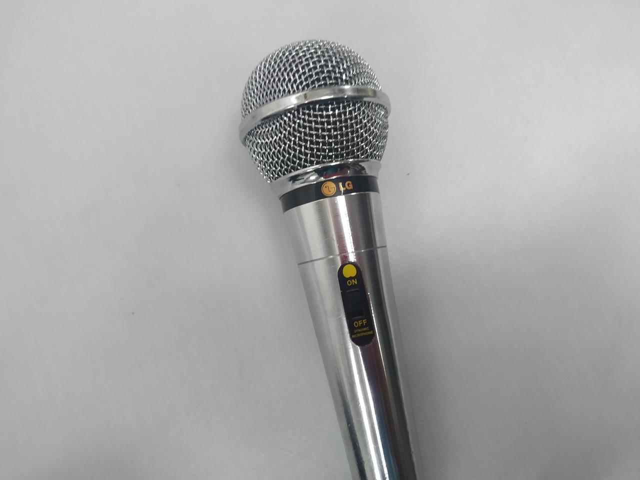 Динамический микрофон LG IMP 600 модель JHC-1 для систем с караоке