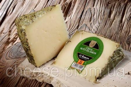 Сыр овечий с розмарином 55% Испания 3,2кг