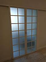 Белые раздвижные двери с матовым стеклом, фото 1