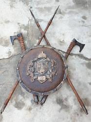 Комплект - «Волк» 1 щит + 2 топора + 2 копья (щит 64 см) - ручная робота