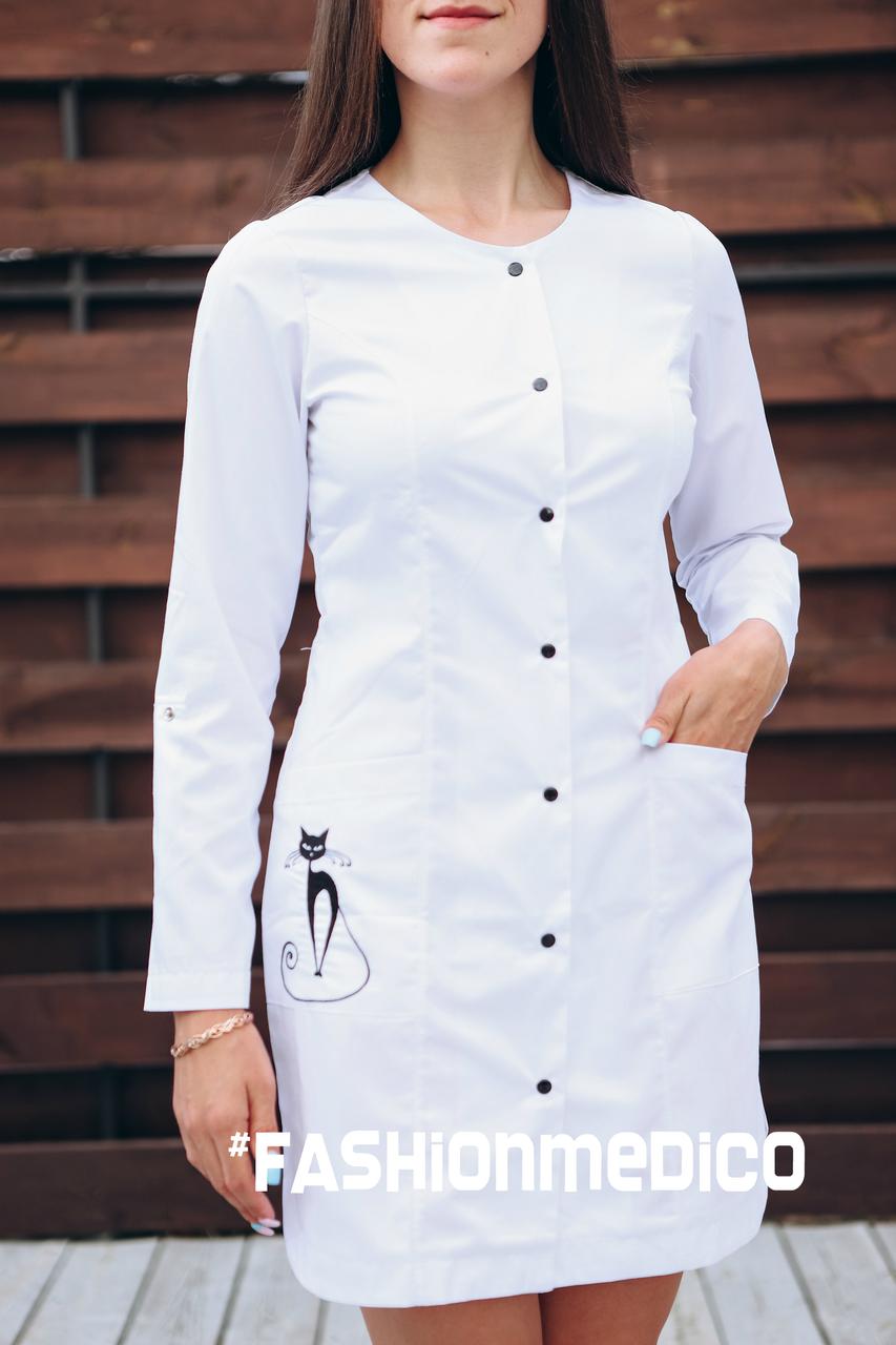 """Жіночий медичний халат """"Верона long"""" з вишивкою"""