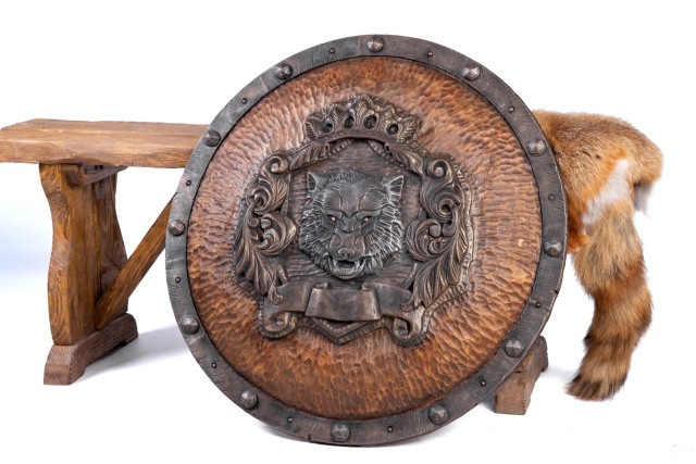 Щит «Волк» (64 см) - ручная робота ( Материал щита - ольха )