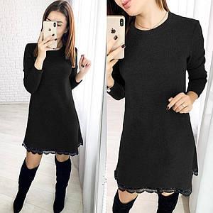 Прямое зимнее платье миди с кружевом черное