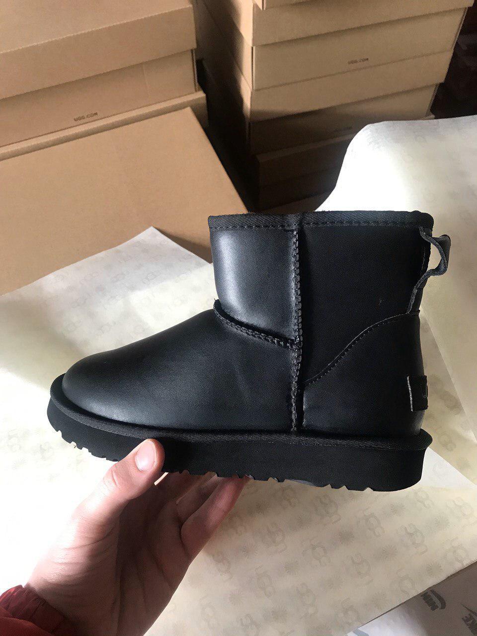 Женские угги Ugg Classic Mini Leather Black  (реплика)