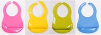 Слюнявчик пластиковий нагрудний з кишенькою на застібці