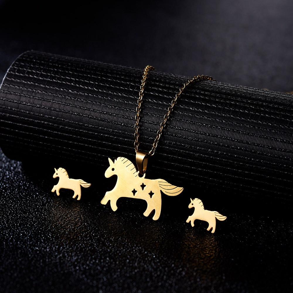 """Комплект бижутерии """"Rinhoo"""" Единорог, цвет золото, серьги, подвеска и цепочка"""