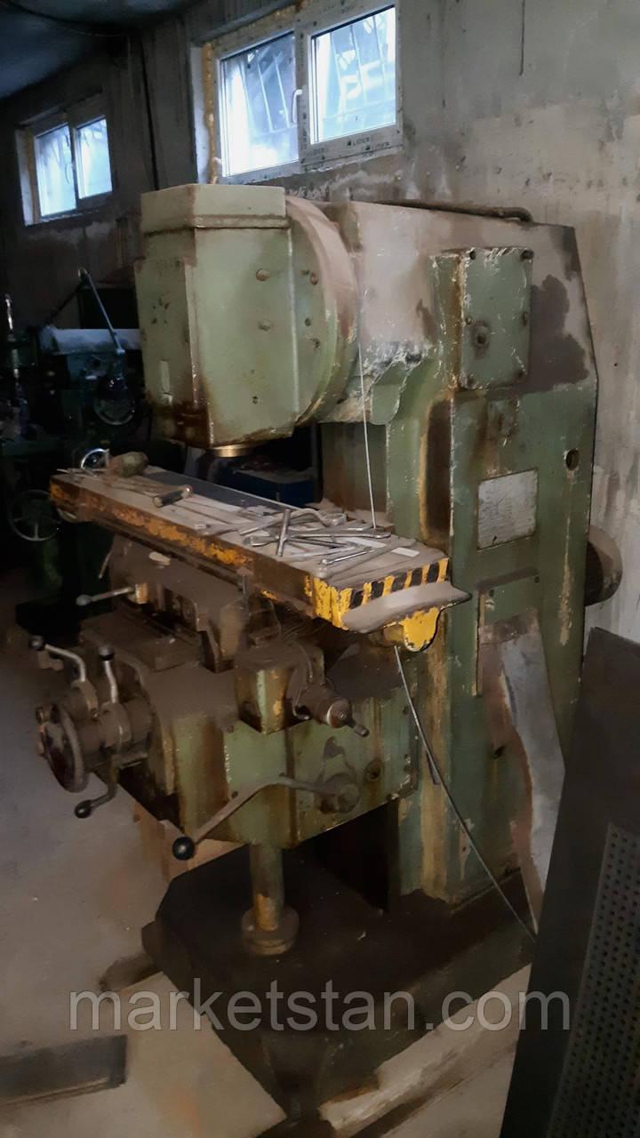 6Р11 Вертикальный консольно-фрезерный станок