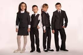 Шкільна форма для хлопчиків і дівчаток