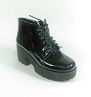 Лаковые ботинки черные на шнурках