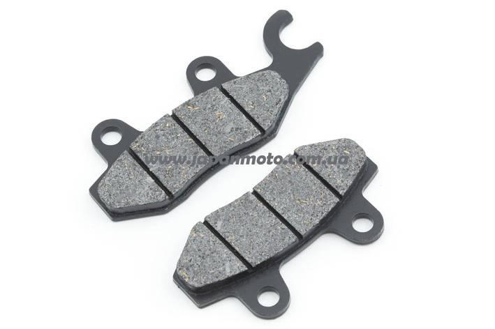 Колодки тормозные (диск) 4T GY6 50-150 (RACE/STORM, ухо в право, черные) ZUNA, фото 2