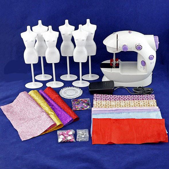 Игрушечная швейная машина с аксессуарами Creative Студия моды