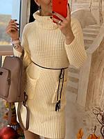 Теплое вязаное платье с воротником-хомутом