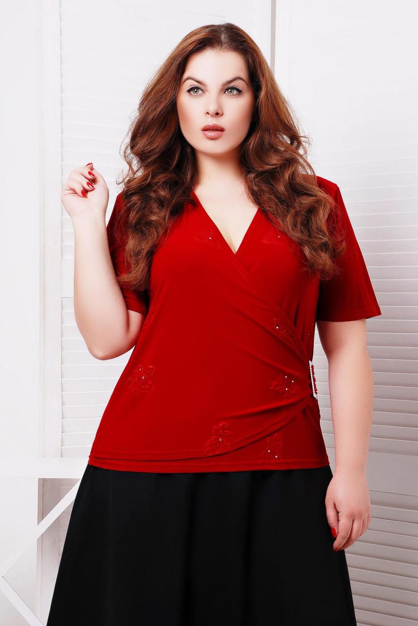 Оригинальная женская блуза с v-образным вырезом декольте и коротким рукавом. Запах на левую сторону украшен эк