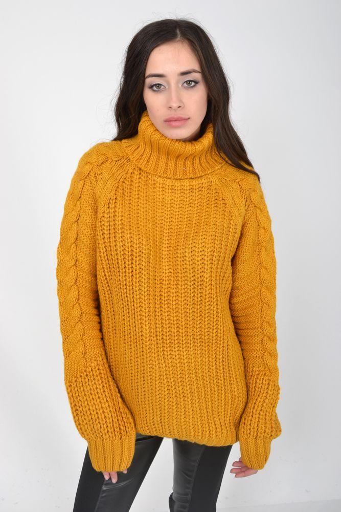 Теплый зимний свитер женский с горлом горчичного цвета размер S-M