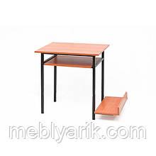 Стол компьютерный на металлическом каркасе