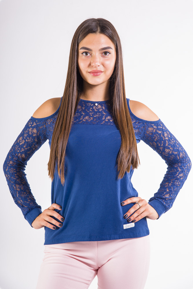 Синий женский джемпер с гипюром и открытыми плечами цвет Синий размер XXS