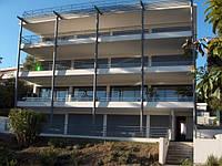 Апартаменты площадью 95 кв. м. плюс терраса 200 кв. м. с видом на море в центре Канн.