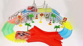Гоночная трасса Magic Tracks 360 деталей на 2 машинки, мост, декор + перекрёсток