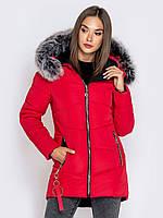 Женская красная зимняя куртка с меховым капюшоном