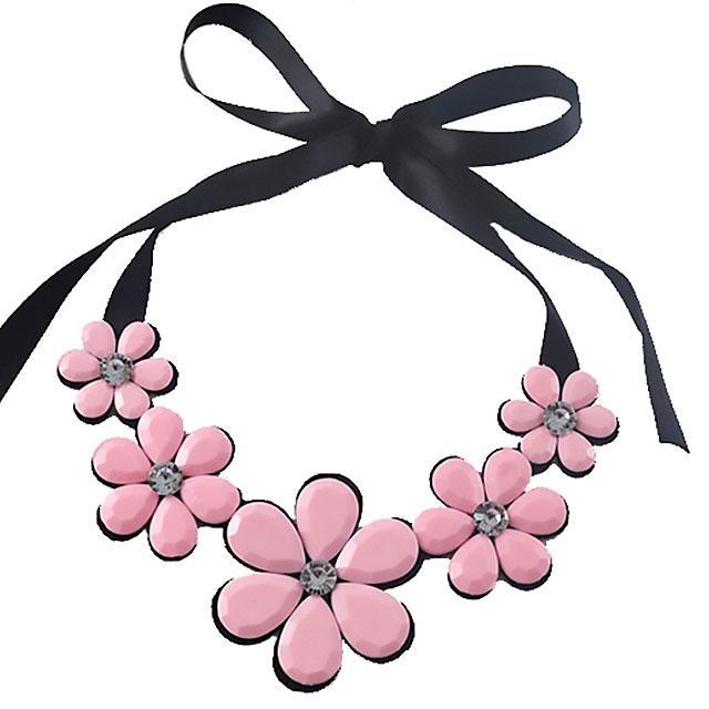 Колье на ленте - Блестящие цветы (Черное с розовым)