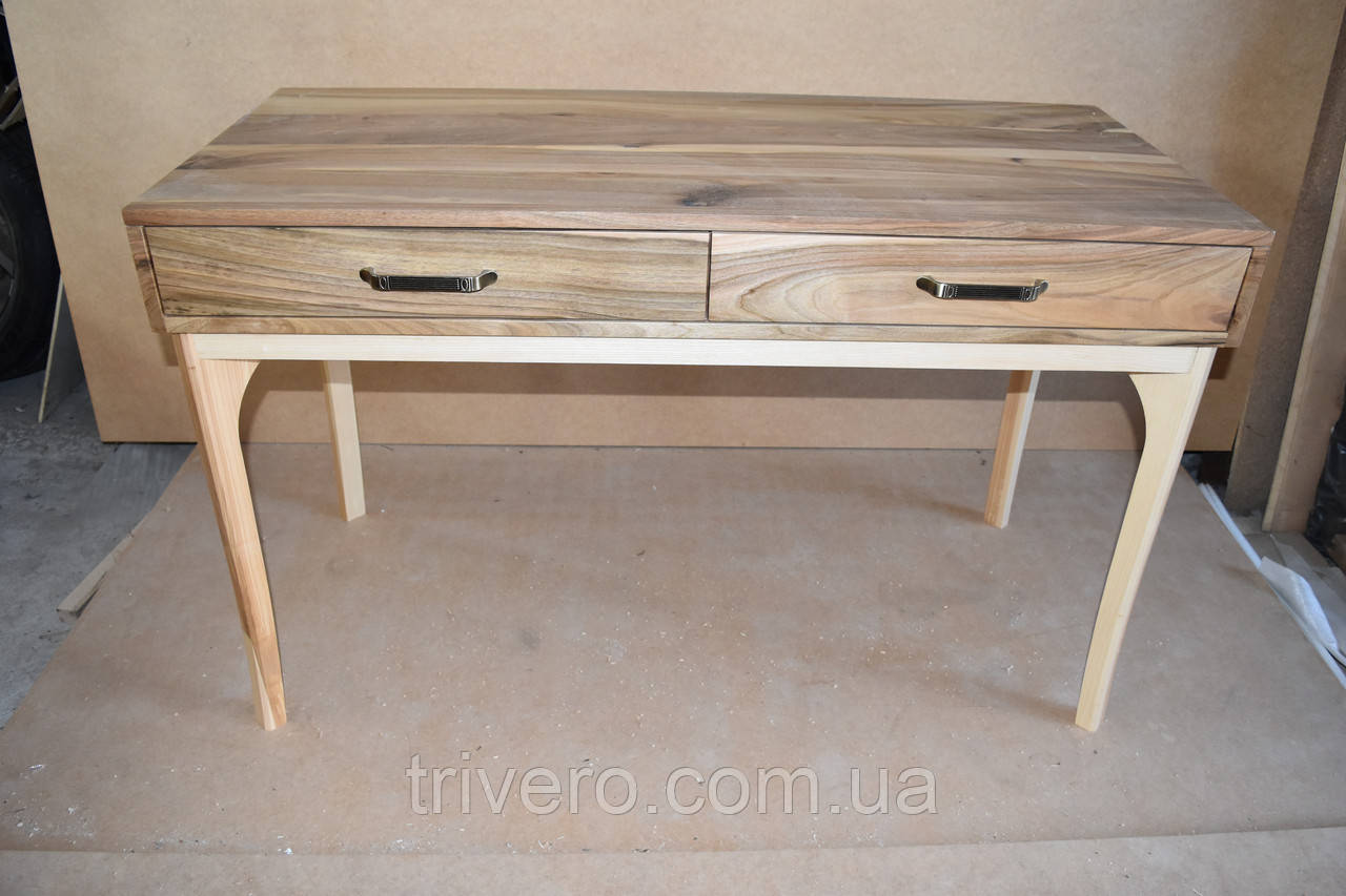 Макияжный столик з горіха