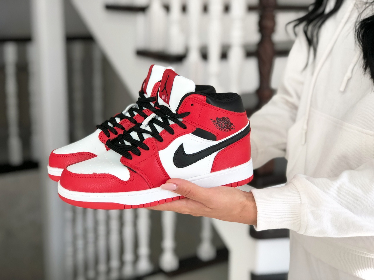 Высокие зимние подростковые кроссовки Nike Air Jordan 1 Retro,красные с белым