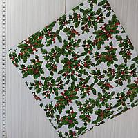 Новогодняя ткань для рукоделия Веточки омелы с золотом на белом фоне 50*50 см