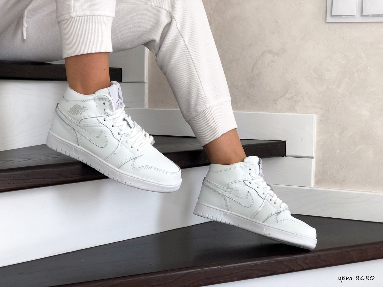 Высокие зимние подростковые кроссовки Nike Air Jordan 1 Retro,белые