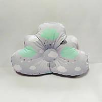 Ортопедическая подушка для младенца masterwork cloud 25*36 см. серая с мятными облаками