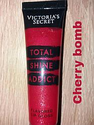 Блеск для губ Cherry Bomb Victoria's Secret
